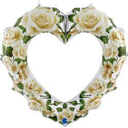 72015-White-Roses-Heart-Frame-1
